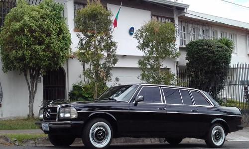 Consulado-Honorario-de-Bulgaria-COSTA-RICA-LIMUSINA-MERCEDES-300D-LANGe6981eabb6c08571.jpg