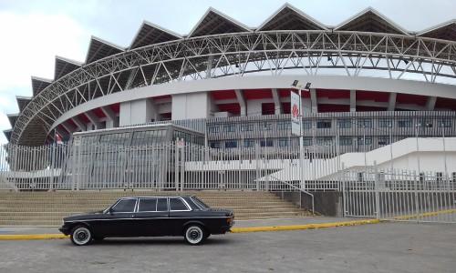 Estadio-Nacional-de-Costa-Rica-MERCEDES-300D-LANG-LIMOSINA26c4590d57dff06f.jpg