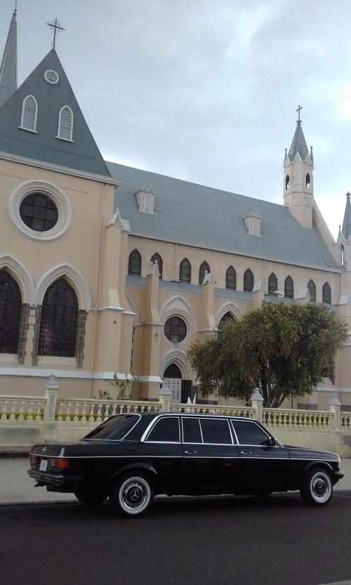 Iglesia-de-San-Rafael-Heredia.-Costa-Rica-MERCEDES-300D-LANG-Limousine-tours.72e7d22ddbcf8e23.jpg