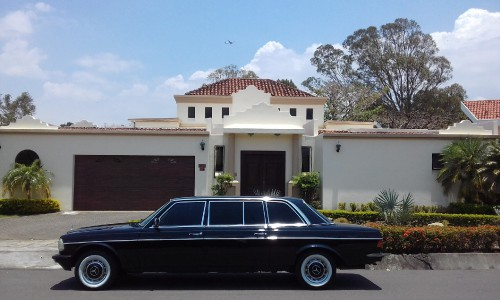 LUXURY-MANSION-LIMO-300D-LANG-MERCEDES-COSTA-RICA7f19018ca539dcc6.jpg