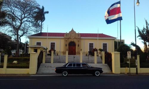 Ministerio-de-Relaciones-Exteriores-y-Culto-de-Costa-Rica-LIMOSINA-300D-MERCEDESf70f2f3812d5e8a9.jpg