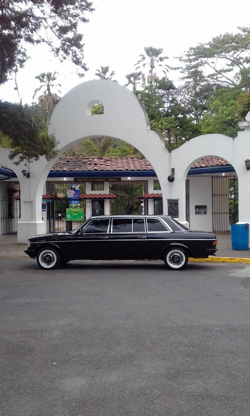 Parque-Zoologico-Nacional-Simon-Bolivar-Barrio-Amon-COSTA-RICA-300D-LANG-MERCEDES-LIMOSINAe3fba36a2d7a2915.jpg