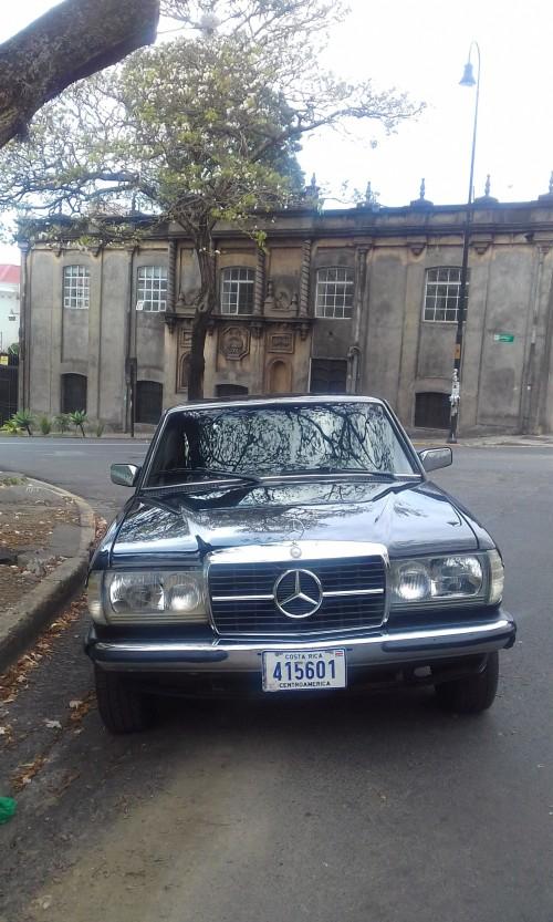 SUNDAY-MERCEDES-300D-LIMO-DRIVE-BARRIO-AMON-COSTA-RICA78fc18ab7df07f38.jpg