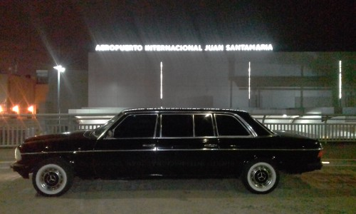 San-Jose-International-Airport-Alajuela-COSTA-RICA-MERCEDES-300D-LANG-LIMOSINA-SERVICEf3b8fdefdd5e230b.jpg