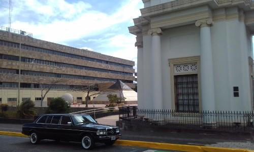 Supreme-Court-Justice-building-San-Jose-Costa-Rica.-MERCEDES-300D-LANG-LIMOUSINE-TOURSdb50cf1df911da17.jpg