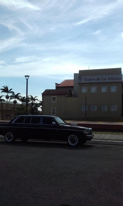 Teatro-de-la-Aduana-COSTA-RICA-MERCEDES-300D-LANG-LIMOUSINE8474ccbbba2f7c4c.jpg