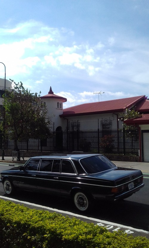 DOWNTOWN MANSION SAN JOSE COSTA RICA LIMO 300D