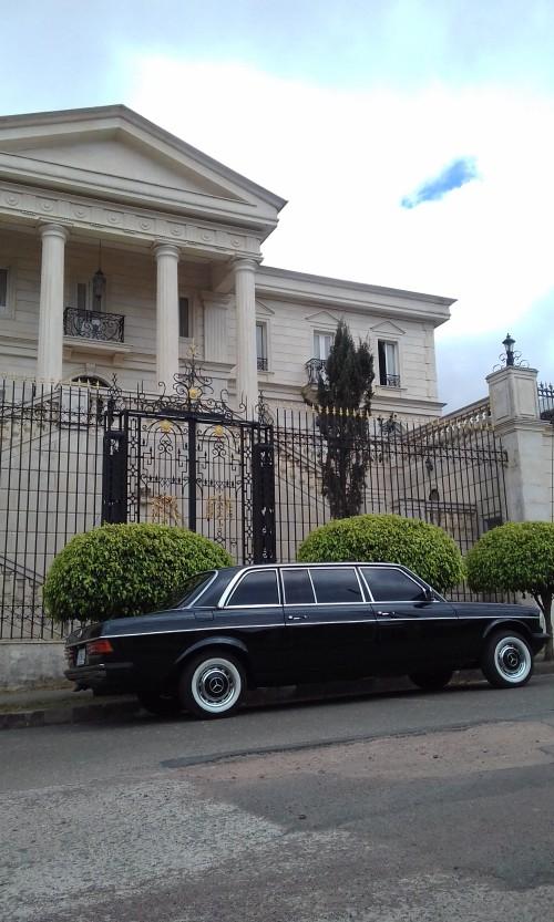 classic-mansion-san-jose-COSTA-RICA-LIMUSINA-MERCEDES-300D-LANG38a48d0846e262ba.jpg