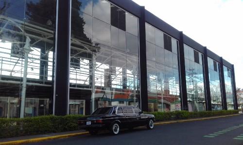 la-Casa-del-cuno-COSTA-RICA-LIMOUSINE-300D-LANG-MERCEDES7d89e808cfc0cc2e.jpg